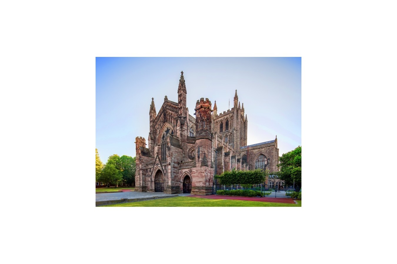 Puzzle Grafika - Hereford Cathedral, 300 piese (02925) imagine