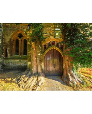Puzzle Grafika - St Edward's Parish Church North Door Flanked By Yew Trees, 2.000 piese (02938)