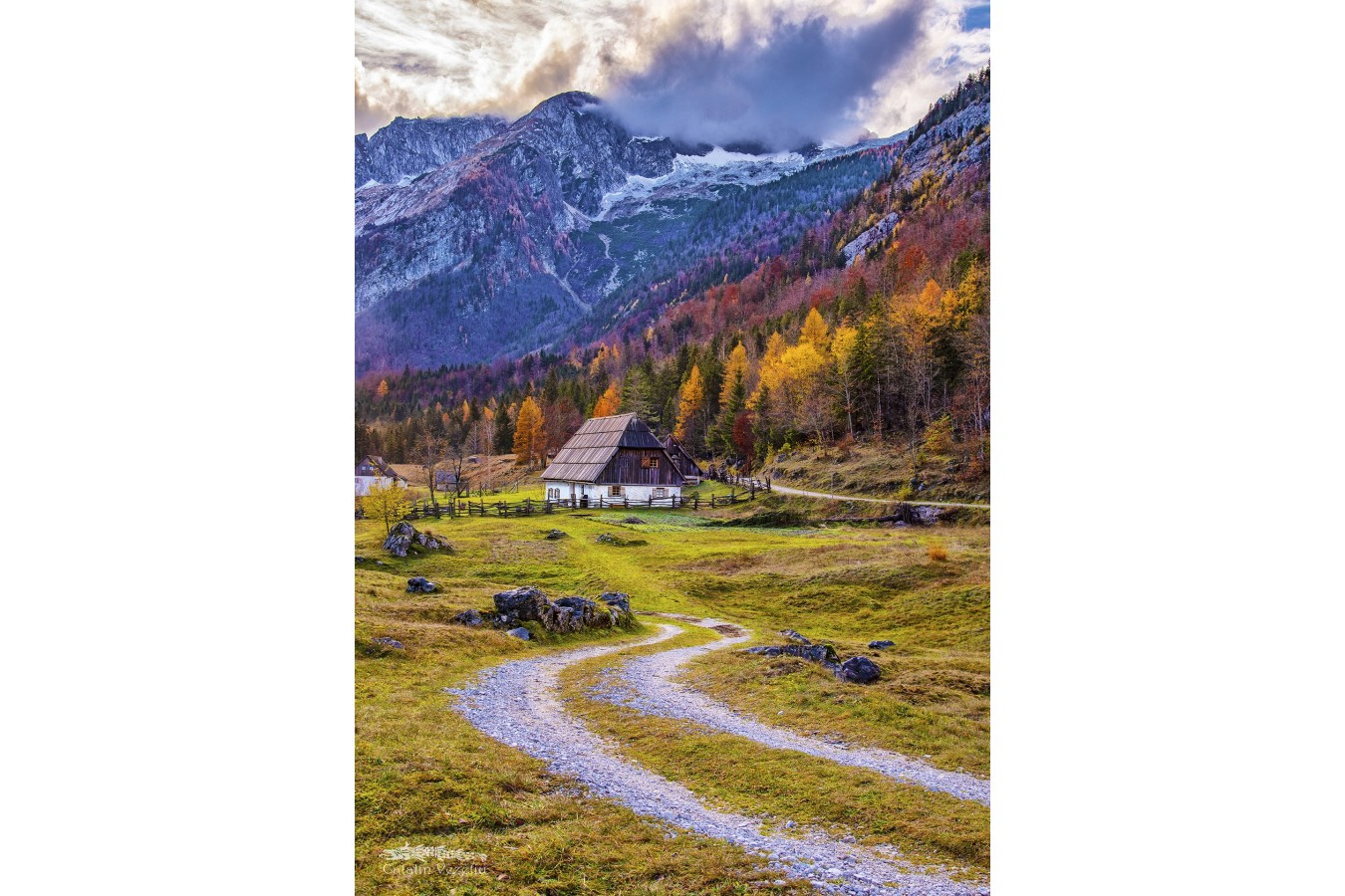 Puzzle 1000 piese - Cottage in the Mountains (Enjoy-1074)